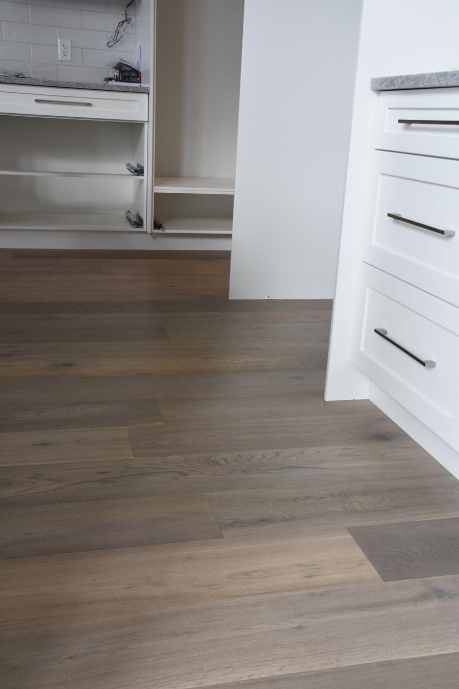 04-new-home-hardwood-and-luxury-vinyl-project-kelowna-bc-hw3